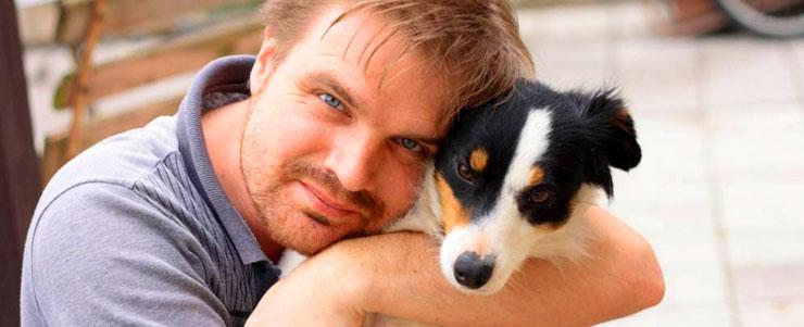 Αποτέλεσμα εικόνας για να αγκαλιάζεις το σκύλο σου πιο συχνά...